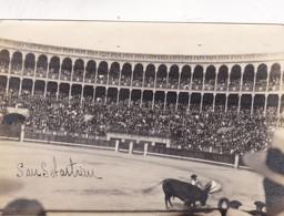 SAN SEBASTIAN. CORRIDA DE TOROS. FOTO TAMAÑO SIZE 12x8.5 CM CIRCA 1950s - BLEUP - Luoghi