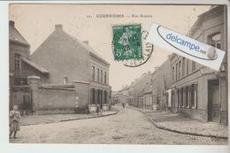 COURRIERES : La Rue Bréoire,animée. - France