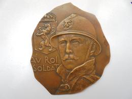 HOMMAGE A NOTRE ROI CHEVALIER-1918 Par GEORGES PETIT -93 Grammes - Royaux / De Noblesse