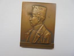 HOMMAGE A NOTRE ROI CHEVALIER-1915 Par GEORGES PETIT -42 Grammes - Royal / Of Nobility
