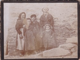 Ancienne Photo Famille Femme Grand Mère Enfants Costume Savoyard Savoie - Personnes Anonymes