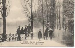 77 MEAUX Un Coin Des Trinitaires Inondation Des 25,26 Et 27 Janvier 1910 - Meaux