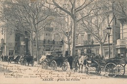 CPA - France - (13) Bouches-du-Rhône - Arles - Place Du Forum - Arles