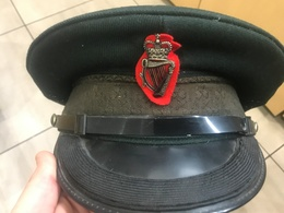 Casquette Police Royale Officier 1978 Irlande - Casques & Coiffures
