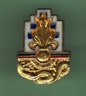 LEGION ETRANGERE *** 13e Demi-brigade De Légion étrangère *** Pin's A Vis *** VIS-1 - Militaria