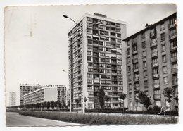 GENNEVILLIERS--1966--Fossé De L'Aumône (cité,immeubles) --timbre-- Cachet ......pas Très Courante - Gennevilliers