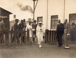 PETITE PHOTO De L'arrivée De La Reine ELISABETH DE BAVIERE A La Gare Maritime De CASABLANCA. - Casablanca