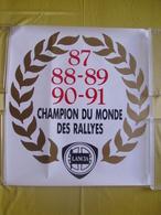 Affiche Autocollante De Vitrine De Concessionnaire Lancia  Champion Du Monde Rallye 1987.88.89.90.91 - Posters