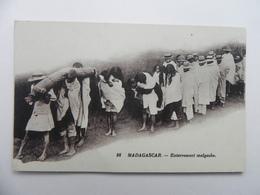 Madagascar ,enterrement Malgache - Madagascar