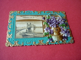 3/88 CPA Fantaisie Collage Pop Up Bord Dentelle Panier Ruban Fleurs Violettes Souvenir De Bonn - Fantaisies