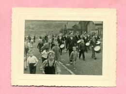 PHOTOGRAPHIE / PHOTO Datée  1959  :  MAZINGARBE  Près  LENS - FANFARE / HARMONIE - BATTERIE MUNICIPALE - Lieux