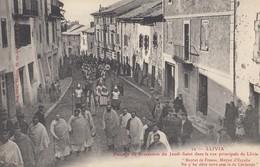 LLIVIA: Passage De Procession Du Jeudi-Saint Dans La Rue Principale De Llivia - Gerona