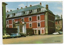 ARRAS --La Caserne (Belles Voitures Dont Citroen 2CV,Simca 1100,Renault 4 Et Fiat )...à Saisir - Arras