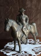 """Ancienne :  Statue Bronze. Cow-boy Portugais. """"Campinos"""". Cheval Lusitanien. Gaucho. Près De Deux Kilos. - Bronzes"""