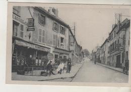 LOUVRES - Rue De Paris - Café - Cliché Peu Courant - Louvres