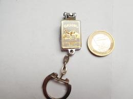 Beau Porte Clés , Coupe Ongles , Tabac Camel - Porte-clefs