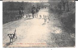 Cpa Pau - La Chasse Sur La Route D'Uzein . - Pau