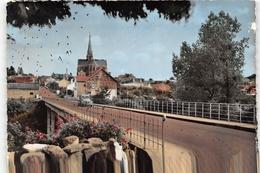 ¤¤  -  LA CHAPELLE-BASSE-MER   -   Le Pont Et L'Eglise      -  ¤¤ - La Chapelle Basse-Mer