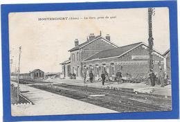 02 MONTESCOURT - La Gare Prise Du Quai - Animée - Other Municipalities