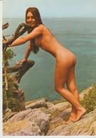 C. P. -  PHOTO - ÎLE DU LEVANT -BELLE NATURISTE - 83 121 76 - SIMBA - CLAUDE FROSSARD - Autres Communes