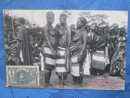 Cote D Ivoire .   Bingerville Groupe D Indigenes . Sein Nu - Côte-d'Ivoire