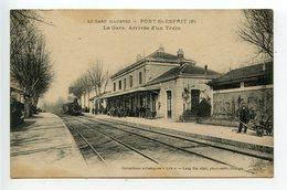 Pont Saint Esprit La Gare Arrivée D'un Train - Pont-Saint-Esprit