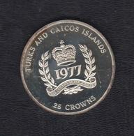 AÑO 1977. 25 CROWNS PLATA ISABEL II - Turcas Y Caicos (Islas)