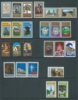 New Zealand 1977 - 1984 The 8 Christmas Sets Of 3  MNH - New Zealand