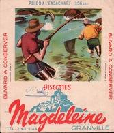 Ancien BUVARD Illustré Biscottes MAGDELEINE à GRANVILLE . Pèche Au Saumon - Biscottes