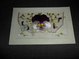 Carte Brodée ( 29 )  Geborduurde Kaart  Carte Enveloppe - Embroidered