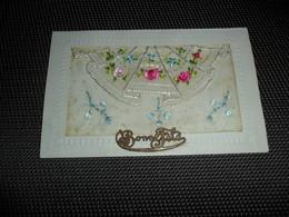 Carte Brodée ( 32 )  Geborduurde Kaart  Carte Enveloppe - Brodées