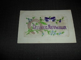 Carte Brodée ( 45 )  Geborduurde Kaart - Embroidered