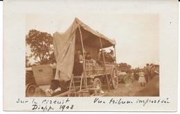 """AUTOMOBILLE - """" SUR LE CIRCUIT De DIEPPE 1908 - CARTE PHOTO Vue D'une Tribune Improvisée - Circulé - T.B.E. - Dieppe"""