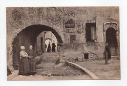 - CPA VENCE (06) - Vieille Rue (avec Personnages) - N° 1311 - - Vence