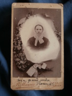 Photo CDV  Marcus à Lens  Photo Montage  Portrait Femme Avec Une Coiffe  Fleurs  CA 1890 - L435 - Photographs