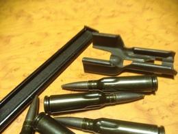 10 Cartouches De Manipulation 5,45x39 Pour AK 74 Avec Lame Chargeur Et Embout Chargeur - Armes Neutralisées