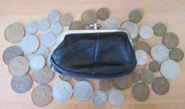 Angleterre - Vrac De Monnaies Livre Sterling GBP Modernes Dans Un Porte-monnaies Noir - 1911 à 1971 - Munten & Bankbiljetten