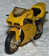 MAISTO MOTO 1/18 DUCATI 748 TBE - Motos