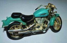 MAISTO MOTO 1/18 HONDA SHADOW AMERICAN CLASSIC TBE - Motorcycles