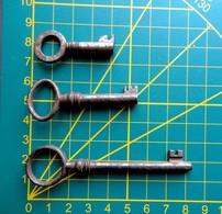 Lot 3 Anciennes Clés, Clefs - Serrure Serrurerie - Ironwork