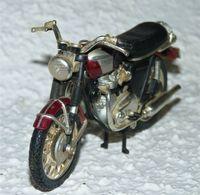 MAISTO MOTO 1/18 TRIUMPH BONNEVILLE T120 TBE - Motos
