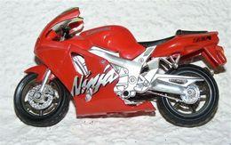 MAISTO MOTO 1/18 KAWASAKI NINJA ZX 7R Be Mais Manque La Bequille - Motorcycles