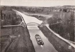 Bt - Cpsm Grand Format SERIGNAC - Canal Latéral à La Garonne (en Avion Au Dessus De ..., Lapie) - Autres Communes