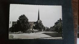 B4/SAINT-VIATRE-la Place Et L'église - France