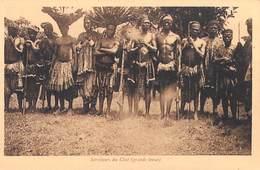 CAMEROUN  Français VICARIAT APOSTOLIQUE DE FOUM-BAN Mission De Bandjoun SERVITEURS DU CHEF (Grande Tenue) - Cameroun