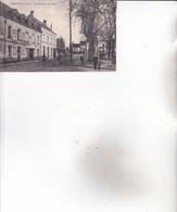 CPA 37 LIGUEIL ,le Champ De Foire. (animée...)1930. - Autres Communes