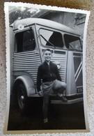 Ancienne Photo 1955 Garçon Posant Fierement Devant Un Tube Citroen - Cars