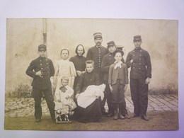 GP 2019 - 711  ONZAIN  (Loir-et-Cher)  :  CARTE PHOTO Au Départ De Onzain  (Famille Mathé)   1910   XXX - France