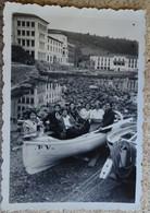 Ancienne Photo Canot Barque (pv) Groupe De Jeunes Filles 1934 - Près De L'aquarium à Banyuls - Bateaux