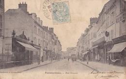 FONTAINEBLEAU - Rue Grande - Fontainebleau